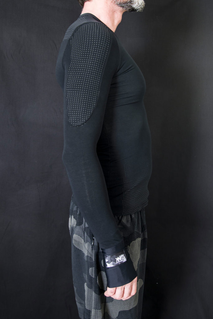 Inner men long-sleeve shirt in Knitwear design. Outfits designed by Meidea for Intelligence Knits Jeanologia's collection